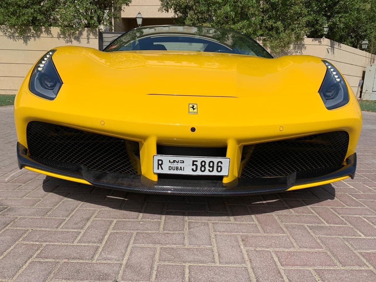 Siêu xe mui trần Ferrari