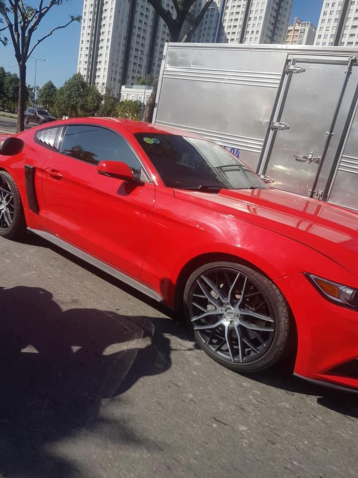 ford Mustang đại gia