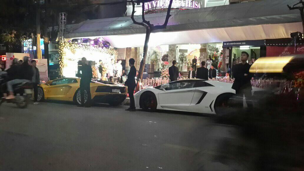 vệ sĩ bảo vệ 2 siêu xe đắt tiền