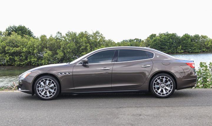 Xe sang Maserati biển đẹp