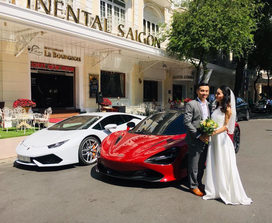 Cặp đôi bên siêu xe