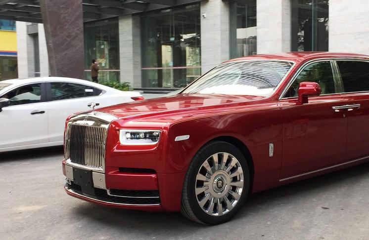 Xe khủng Rolls royce Phantom 2019 cho đại gia Hà Nội