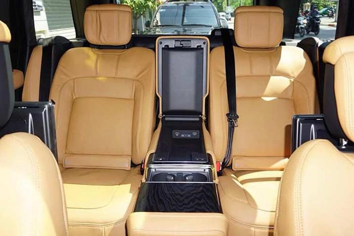 Hàng ghế sau xe Range rover