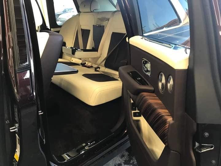 Hàng ghế sau xa xỉ của xe sang Rolls royce Cullinan