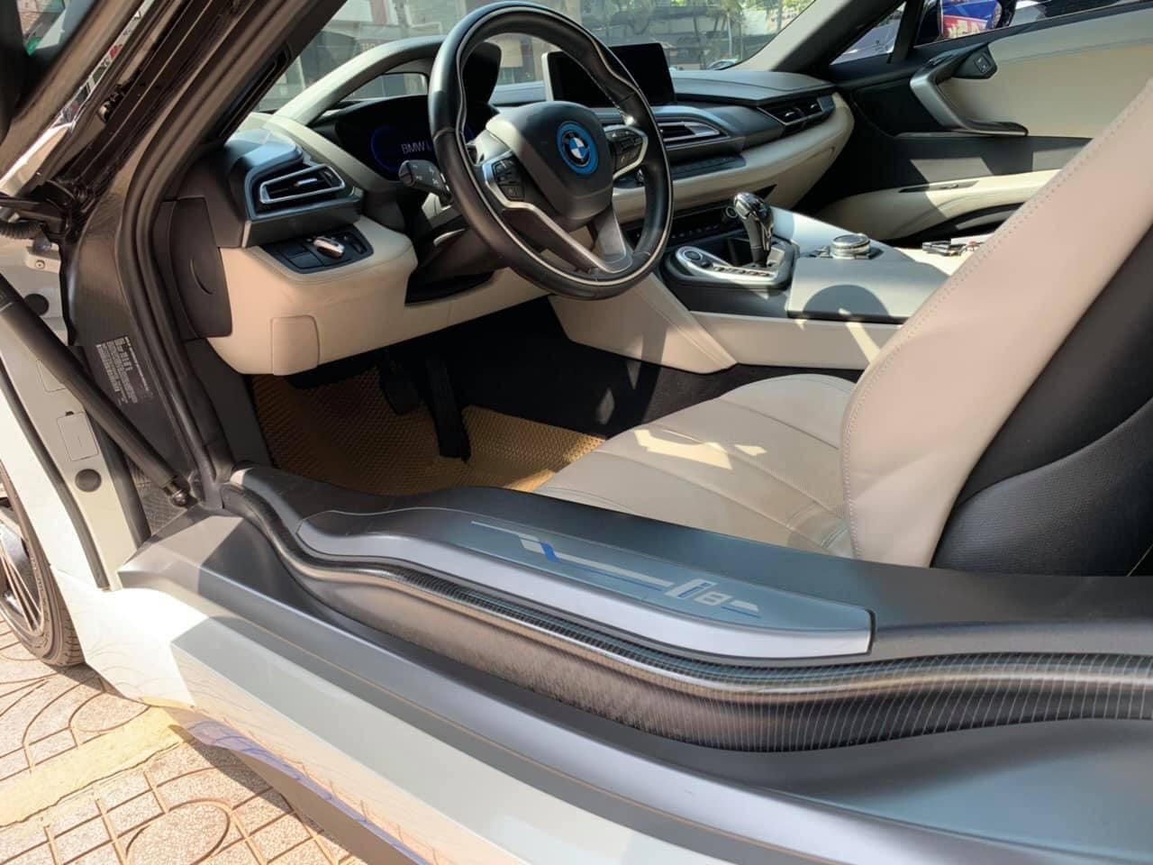 Siêu xe dân chơi mất giá BMW i8