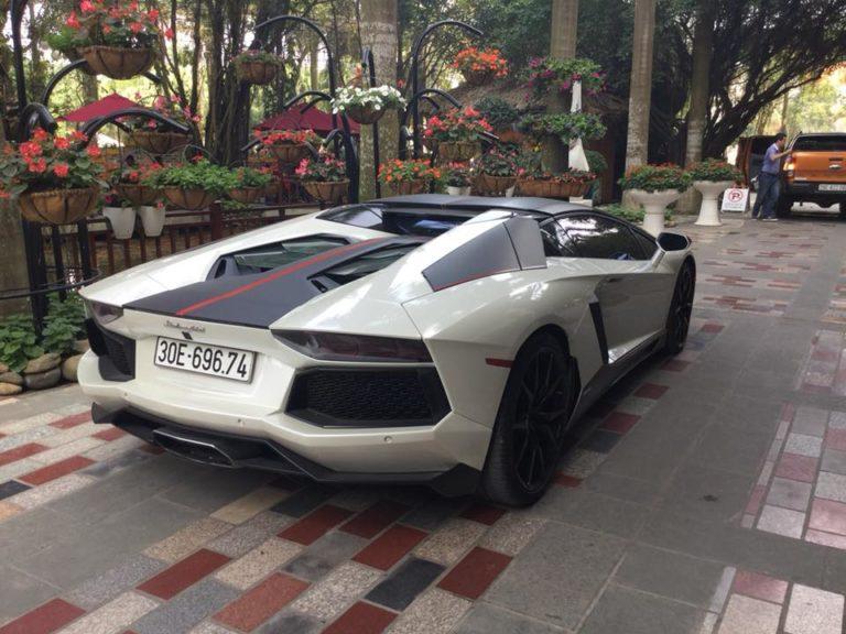 siêu xe lamborghini của đại gia Phú Thọ