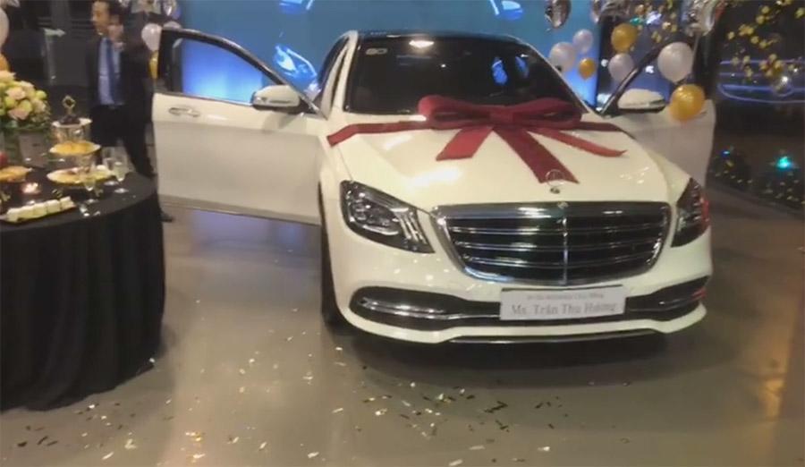 Ca sĩ Tuấn Hưng mua xe sang Mercedes S450 Luxury