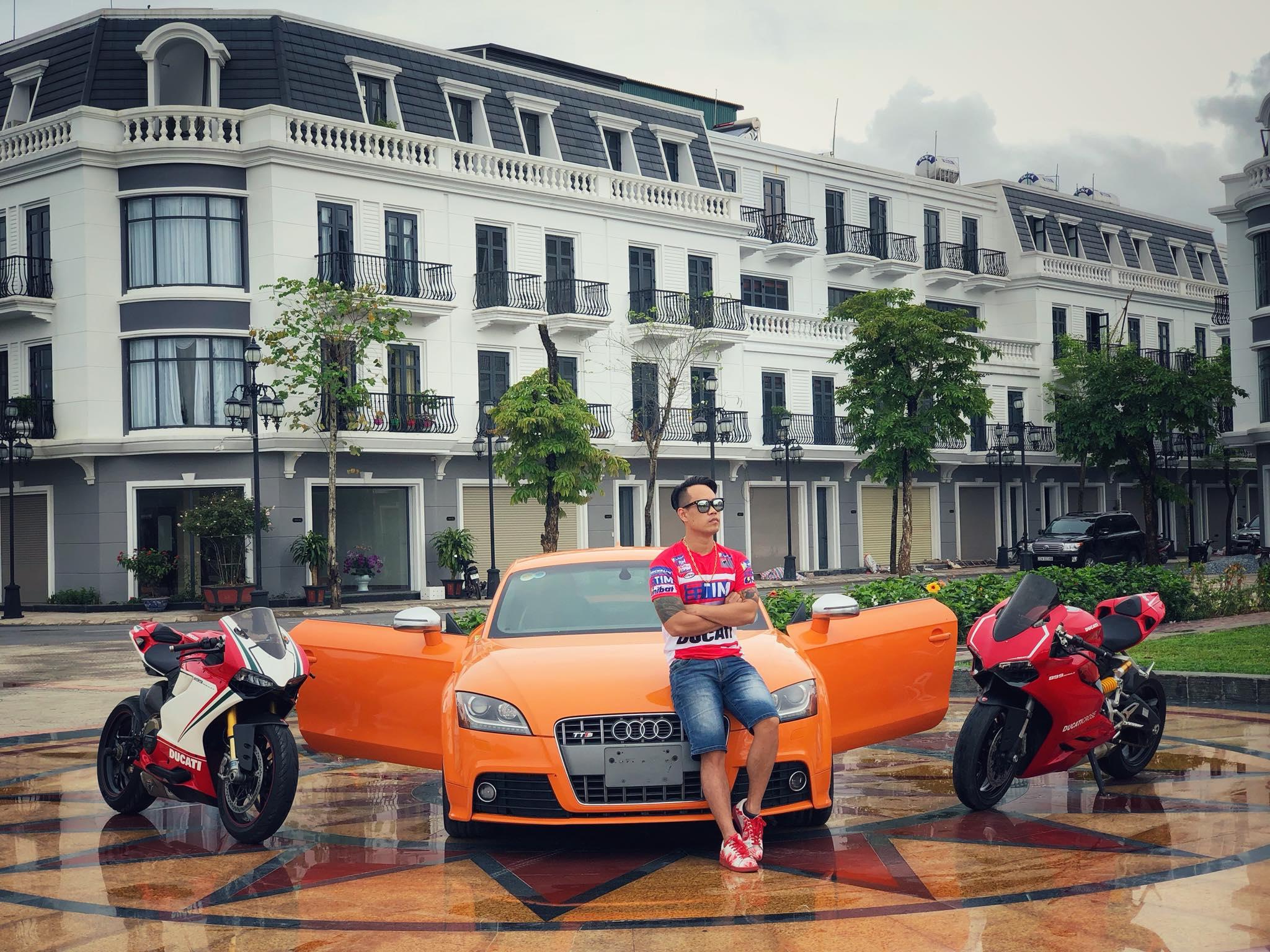 Tùng Giang bên siêu xe audi TT đắt giá