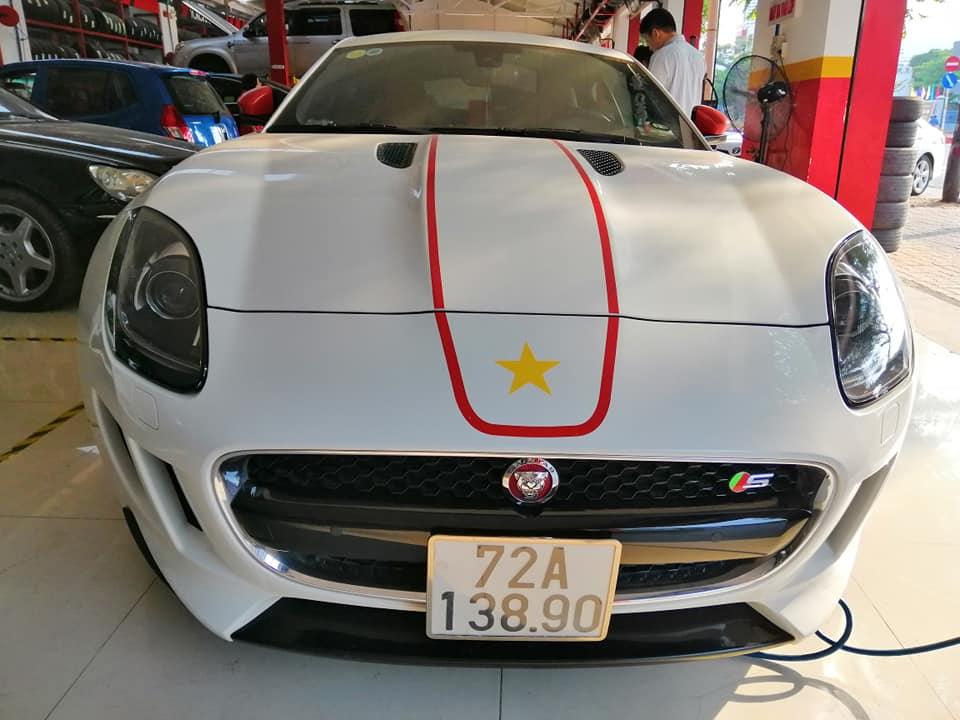 Xe Jaguar thể thao đại gia Vũng Tàu