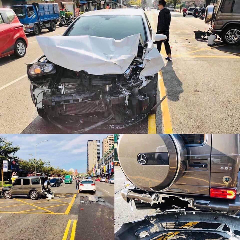 Siêu phẩm Mercedes bị tai nạn