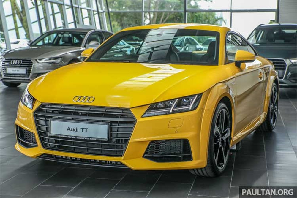 Đại gia Phúc XO khoe Audi TT