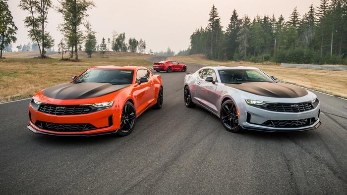 Đẹp ngang siêu xe Chevrolet khiến ai cũng choáng