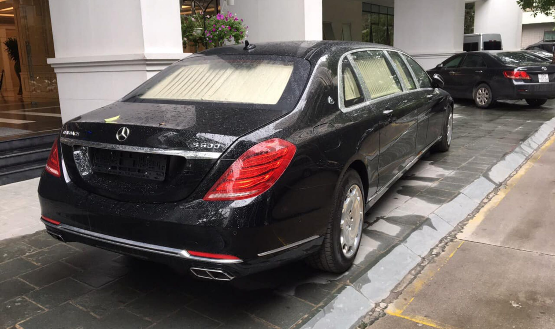 Maybach S600 Pullman đại gia Việt mua