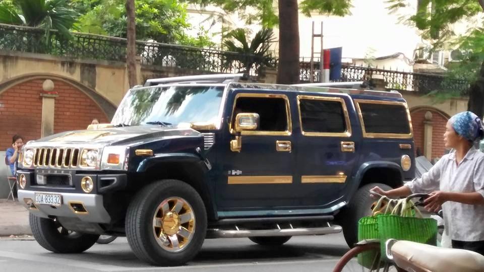 Xe Hummer và người nghèo