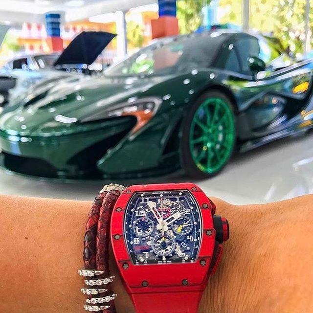 Đồng hồ siêu xe tuyệt đẹp