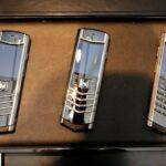 Siêu điện thoại Vertu Signature S tại sao vẫn có giá rất cao ?
