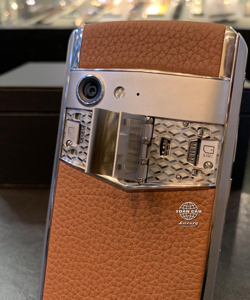 Vertu Aster P siêu điện thoại đẹp độc