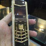 Giới siêu giàu mua điện thoại Vertu chính hãng thu nhập thế nào ?