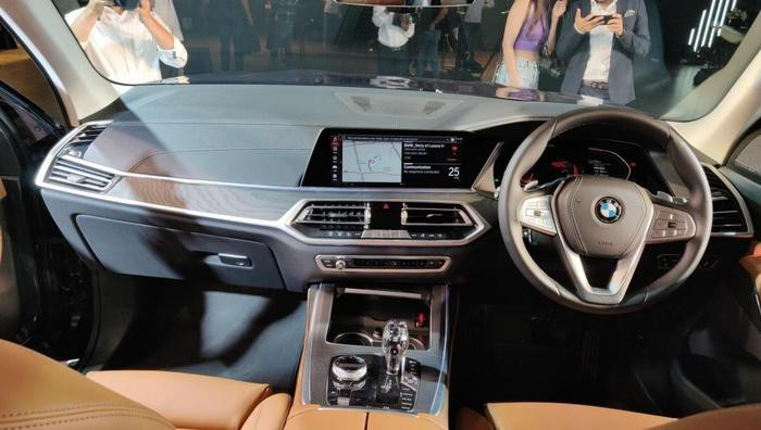 Nội thất xe sang BMW X7