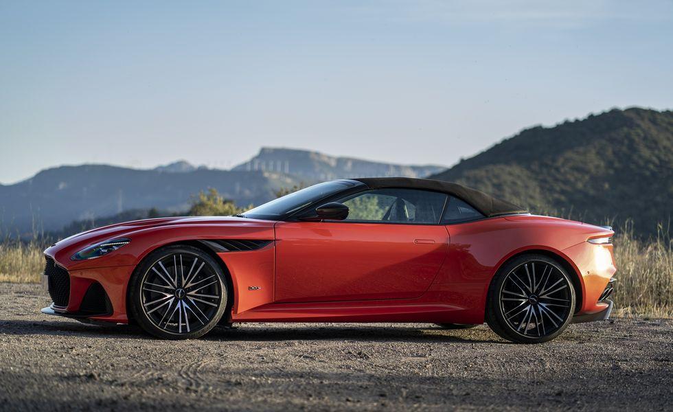 Siêu xe Aston Martin mui trần mới