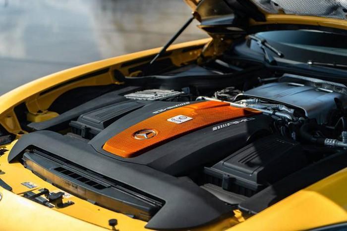 Động cơ siêu xe khủng Mercedes