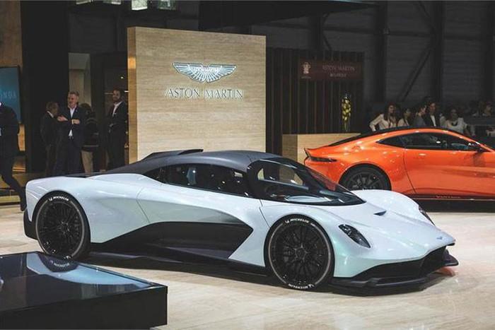 Thân siêu xe Aston martin đẹp