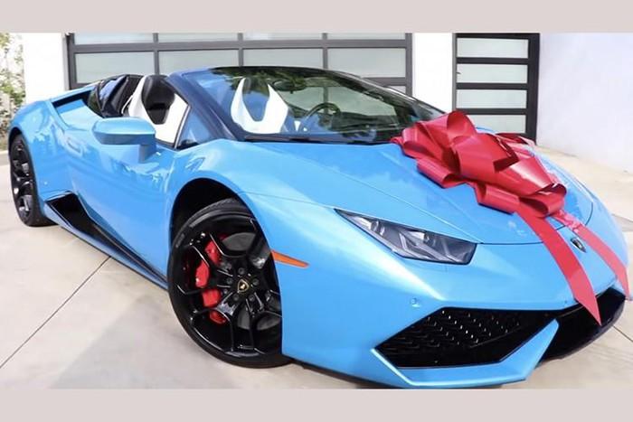 Sở hữu siêu xe Lamborghini