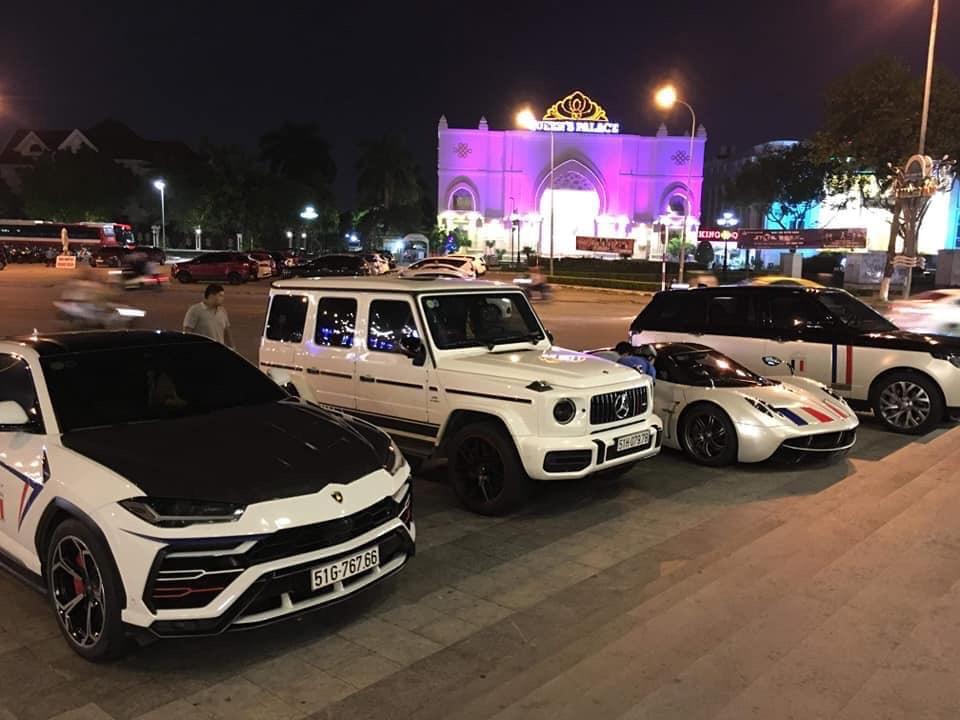 4 siêu xe khủng của Minh Nhựa