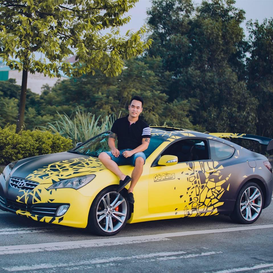 Tay chơi siêu xe Tùng Giang