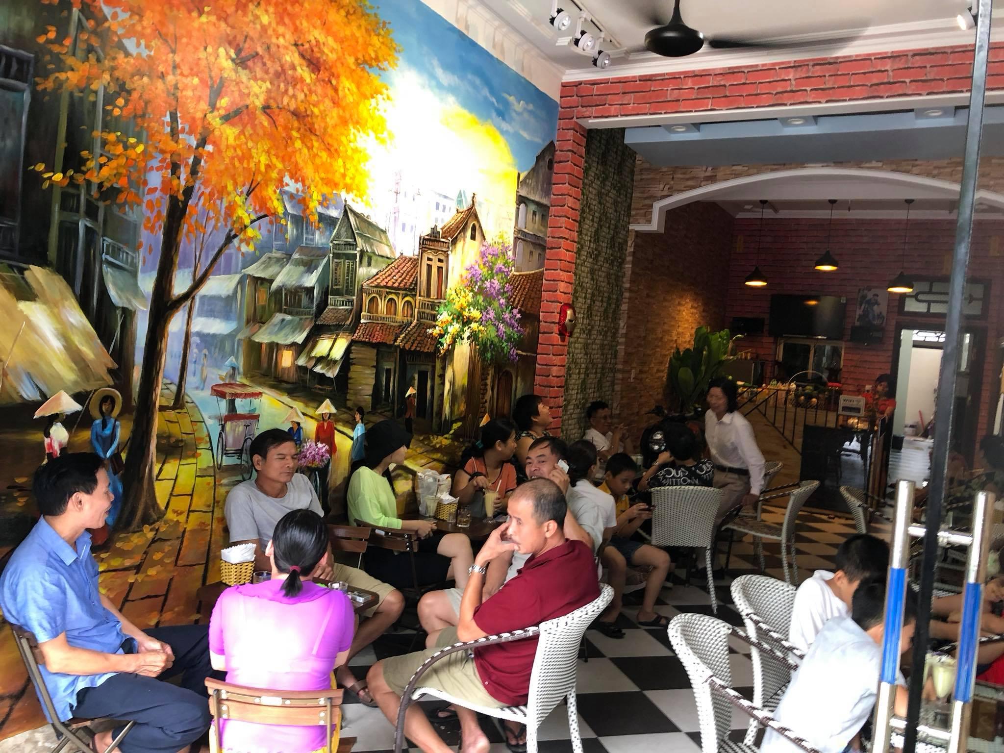 Tùng Giang mở quán cà phê