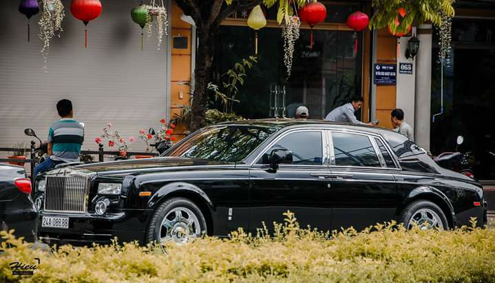 Xe siêu sang khủng Lào Cai
