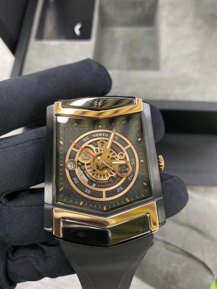 đồng hồ Vertu đời mới
