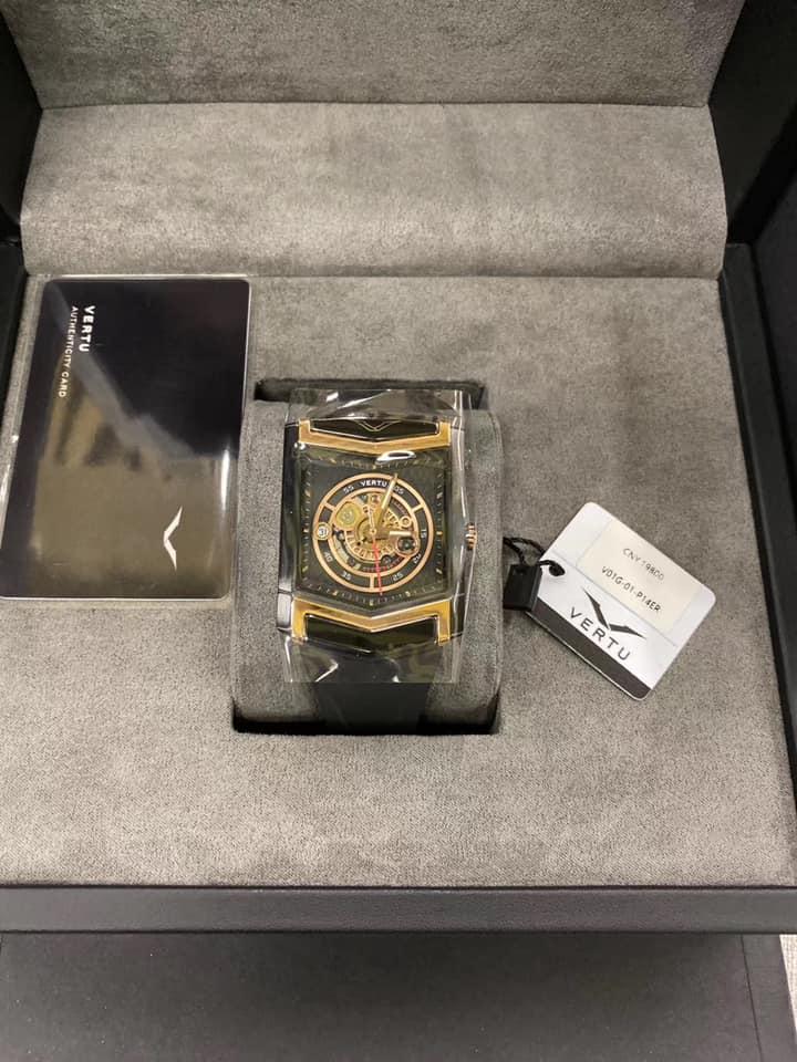 đồng hồ Vertu bí ẩn