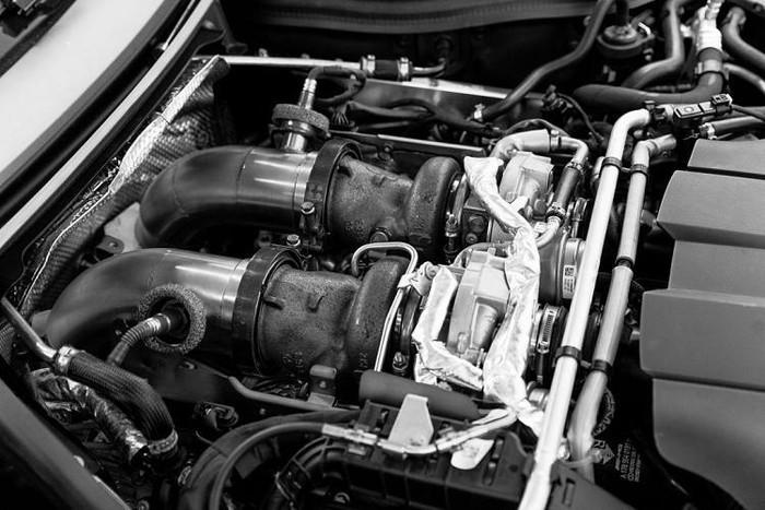 Động cơ siêu xe Mercedes