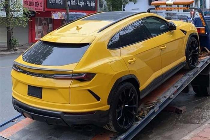 Thiếu gia nhà Bầu Hiển mua Lamborghini URUS
