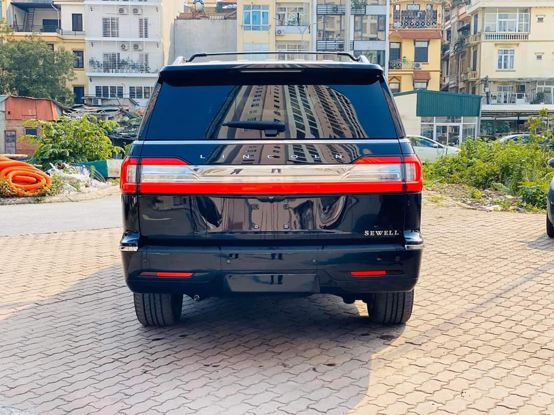 Xe siêu sang SUV Lincoln Navigator