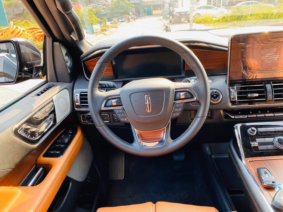 Xe Lincoln Navigator thể thao nhất