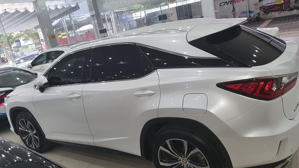 Lexus RX350 giữ giá mạnh