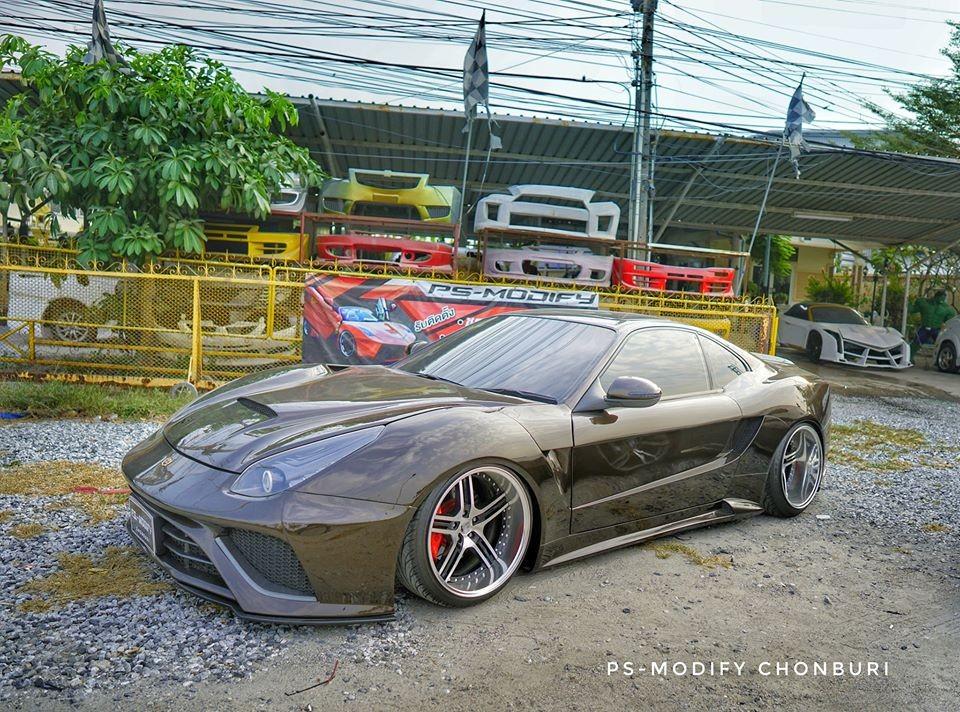 Xe Ferrari nhái tại Thái Lan đẹp