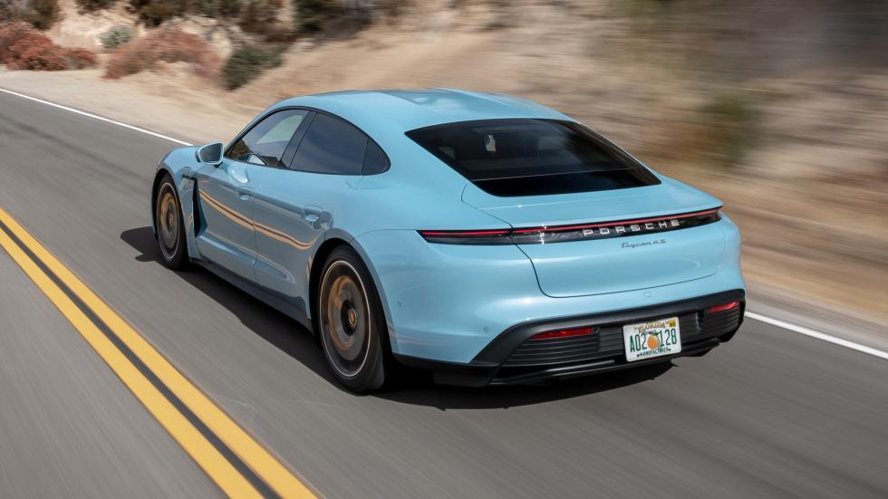 Xe có màu xanh đẹp Porsche Taycan