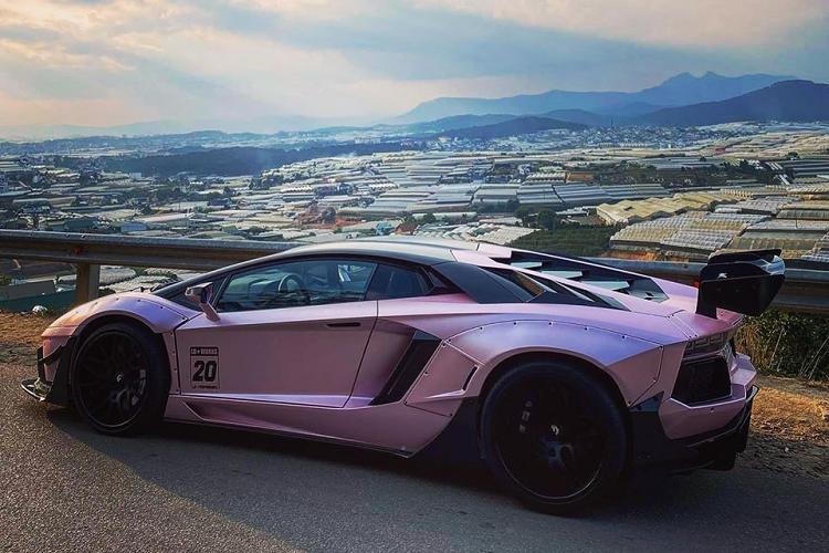 Lamborghini Aventador màu hồng độc nhất Việt Nam