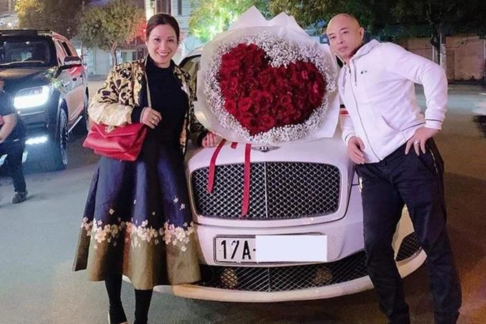 nữ đại gia Thái Bình chơi xe