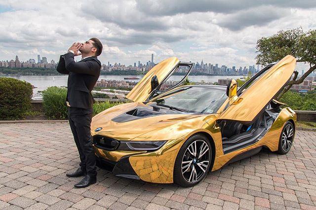 siêu xe BMW i8 thử lòng gái xinh