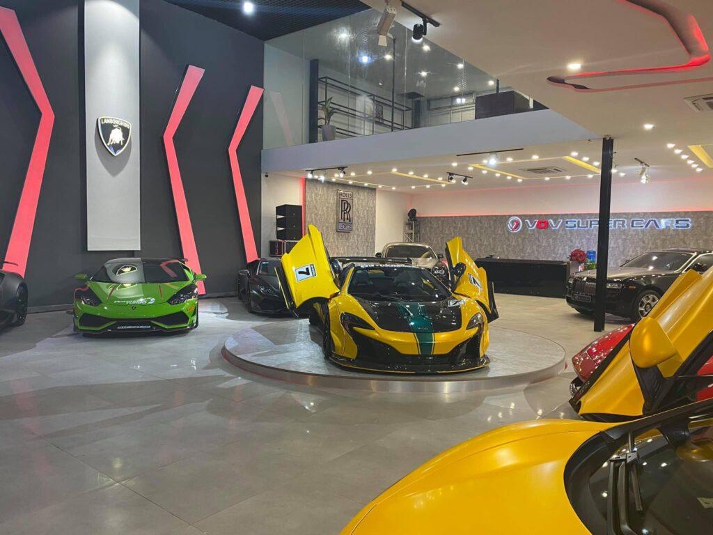 Showroom siêu xe trăm tỷ