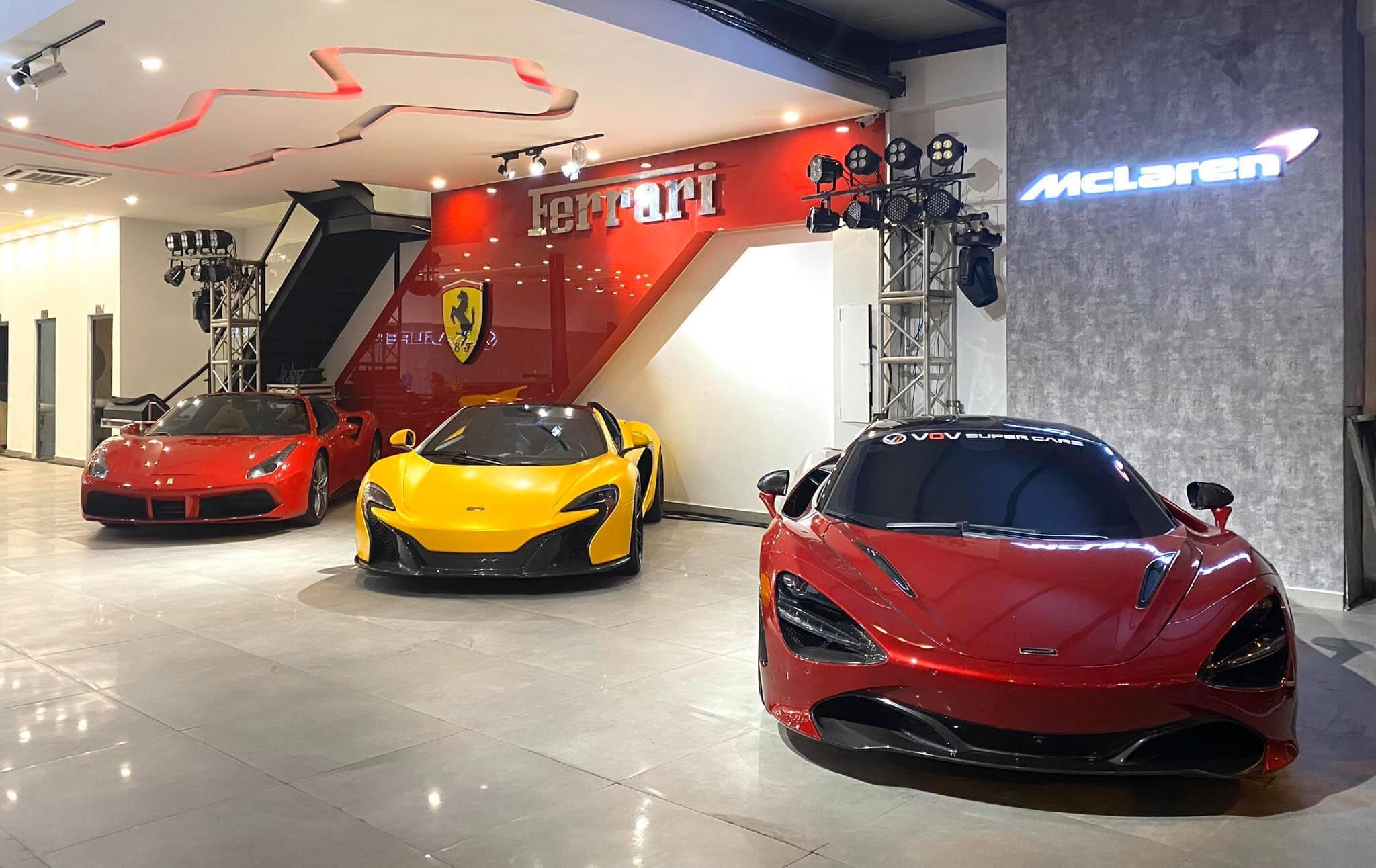 Showroom siêu xe đẹp nhà giàu