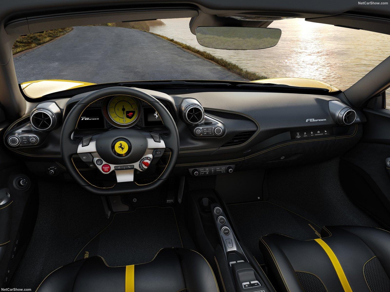 Siêu xe Ferrari đẹp nội thất mới