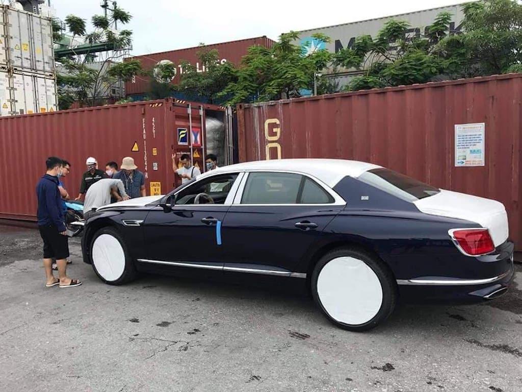 Bentley khủng về Việt Nam