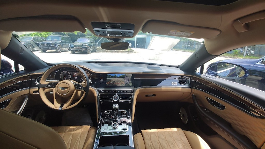 Bentley khủng nhất VN