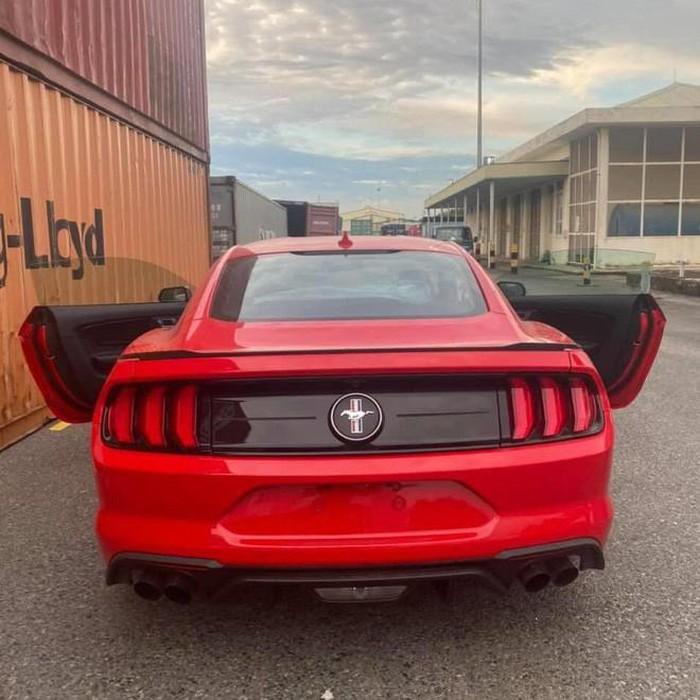 Ford Mustang bản kỷ niệm 3