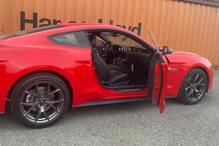 Ford Mustang đẹp cho nhà giàu